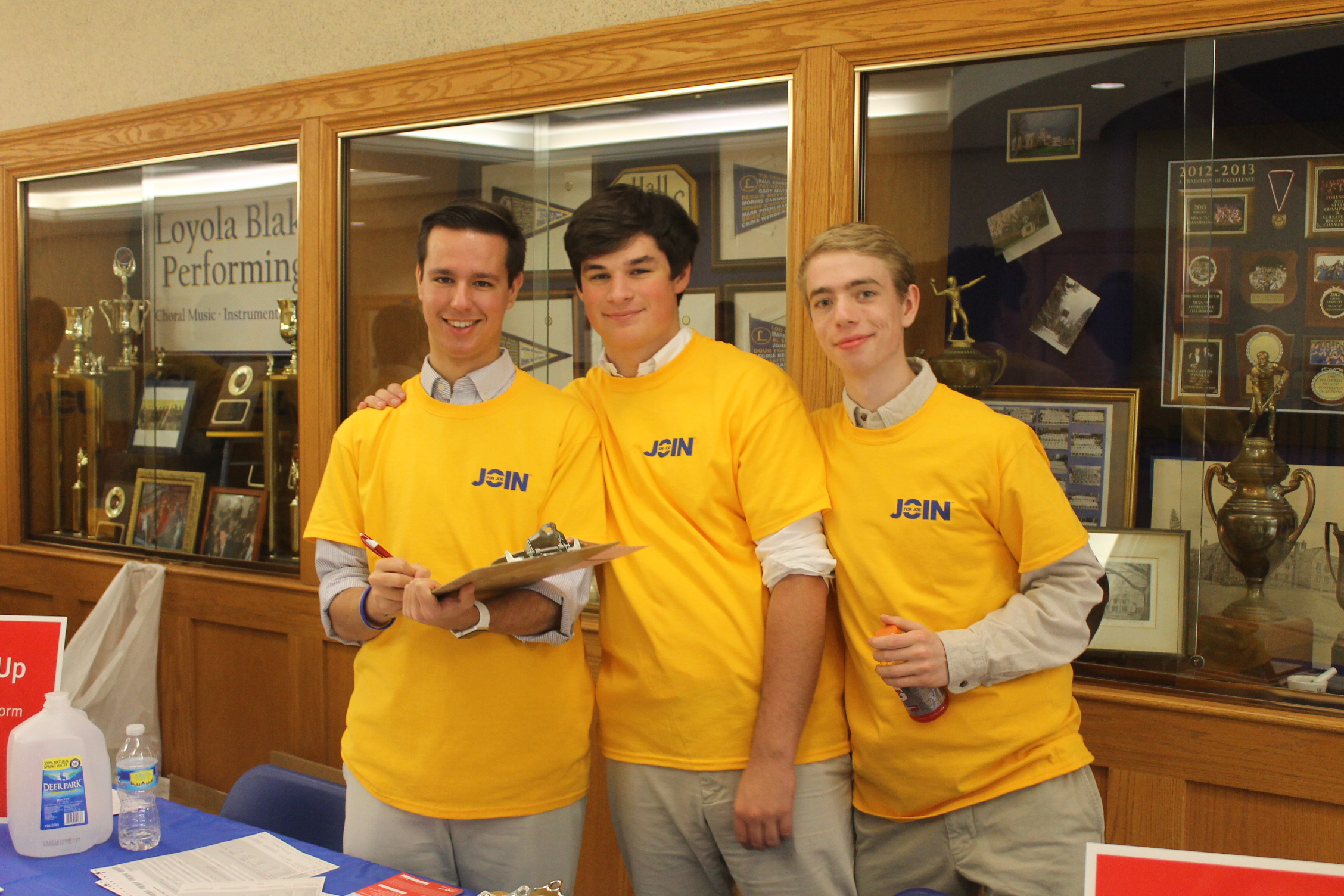 Student volunteers at a Loyola Blakefield Join for Joe Senior Swab Day.